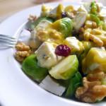 Warme spruitjes salade met cranberry's en blauwe kaas