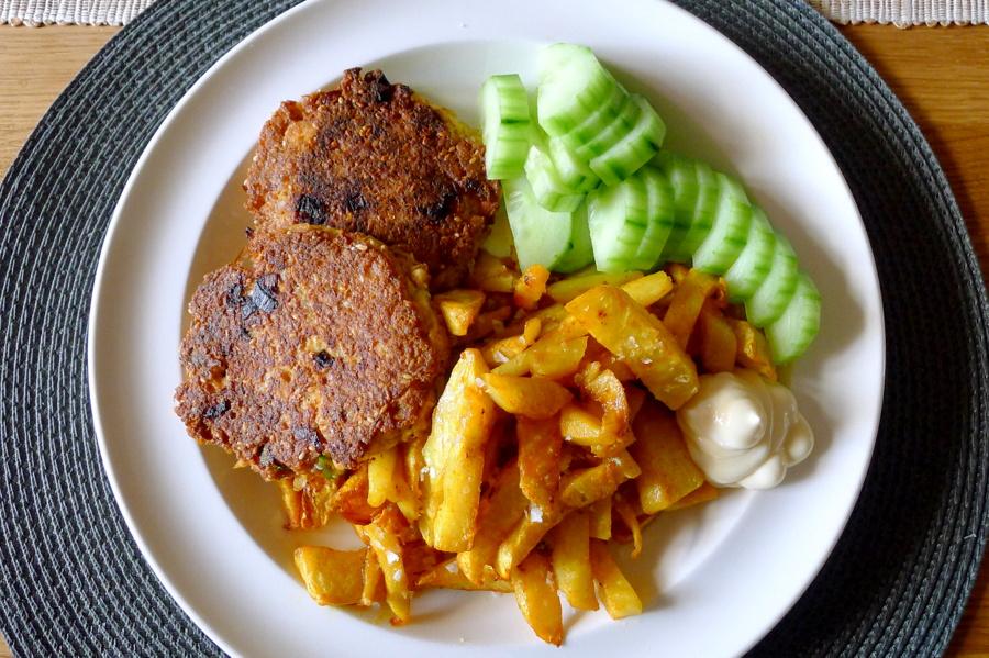 koolhydraatarme visburger met knolselderij friet