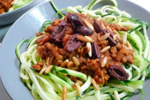 courgetti bolognese zonder vlees met tempeh