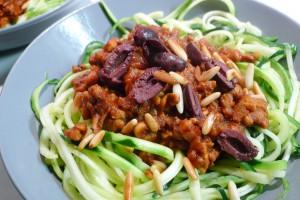 courgetti bolognese zonder vlees met tempeh