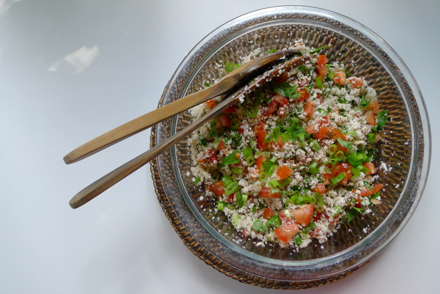 koolhydraatarme tabouleh salade van bloemkool