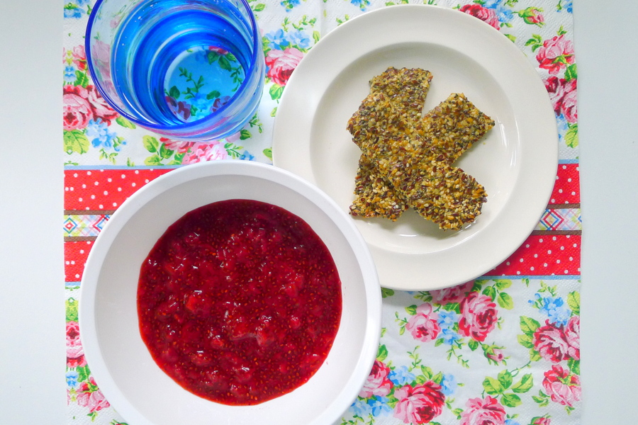 Chia jam van rood fruit