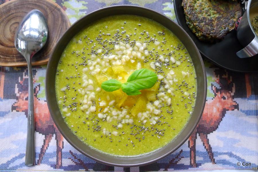 Broccolisoep met zoete aardappel en vadouvan