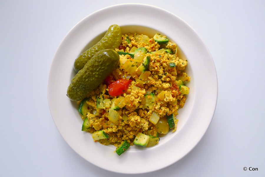 scrambled tofu roerei groenten
