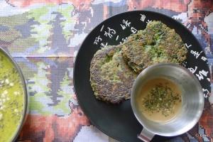 spinaziekoekjes tahinisaus
