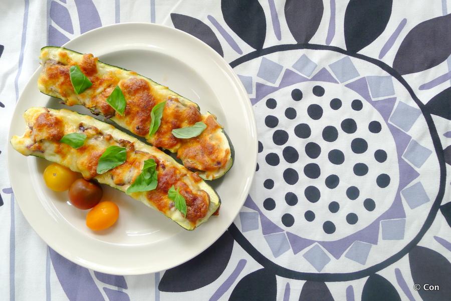 gevulde courgette huttenkase vegetarisch