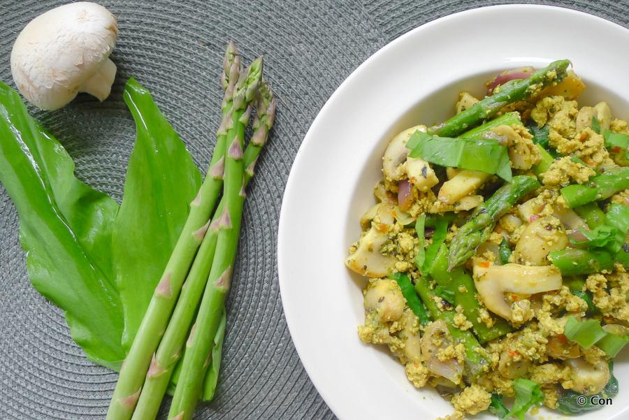 Tofu scramble met asperges en daslook