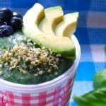 groene smoothie spirulina avocado