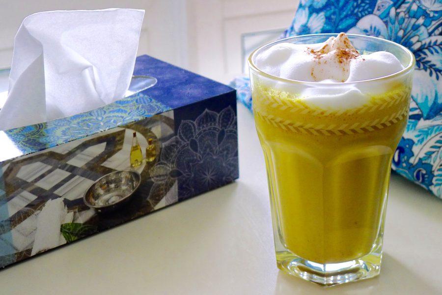 Gouden melk of golden latte met kurkuma