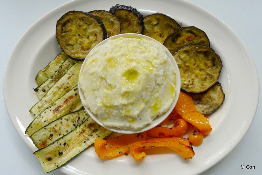 griekse skordalia met gegrilde groenten