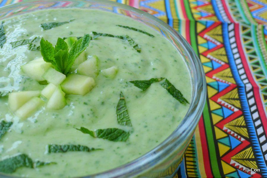 Komkommersoep met spinazie en munt