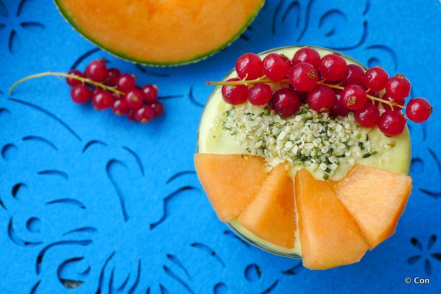 smoothie meloen avocado en aalbessen