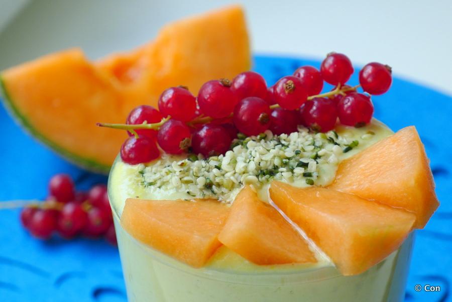 Smoothie met meloen, yoghurt en rooibosthee