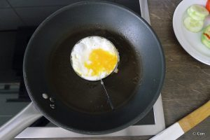 gebakken ei in ring