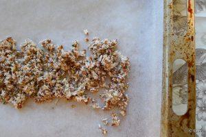 keto granola op de bakplaat