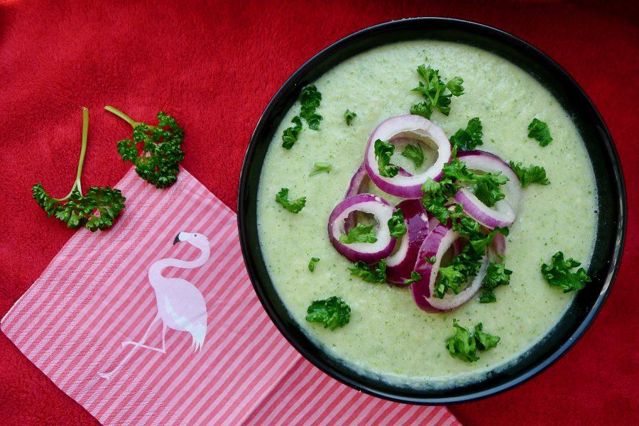 Bloemkool broccoli soep met rode ui
