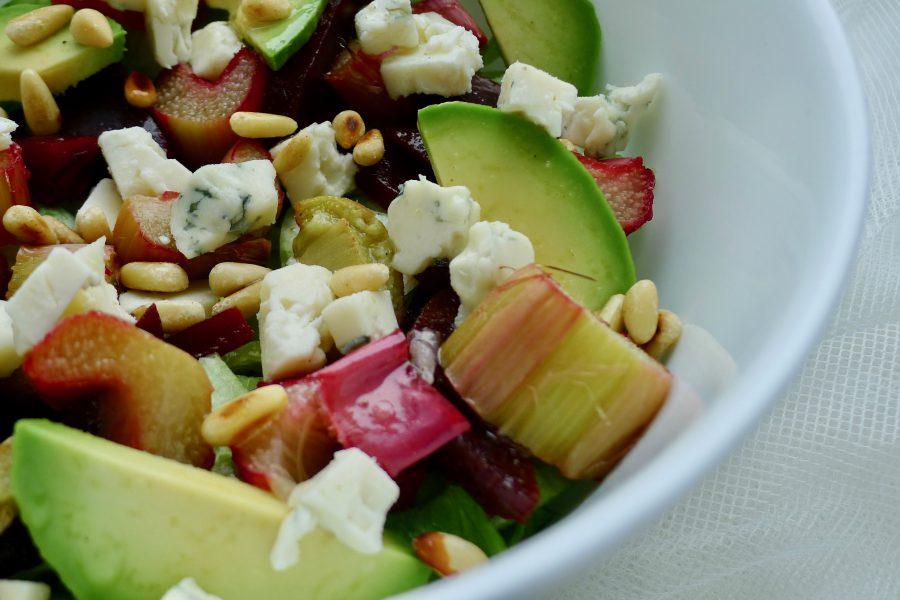 Rabarber bieten salade