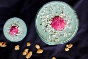 Koolhydraatarme groene smoothie met courgette (zonder banaan) recept ~ minder koolhydraten, maximale smaak ~ www.con-serveert.nl