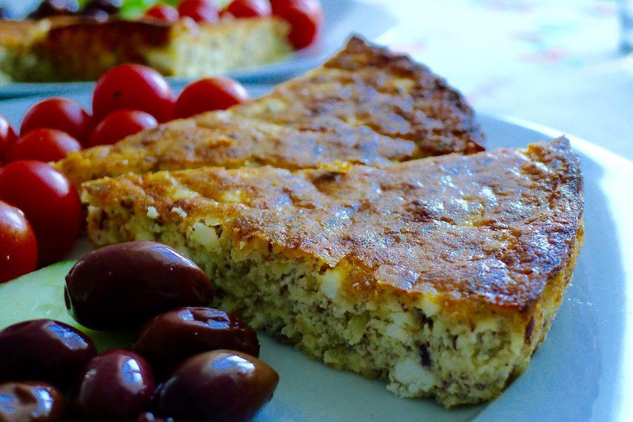 Griekse fetataart met salade