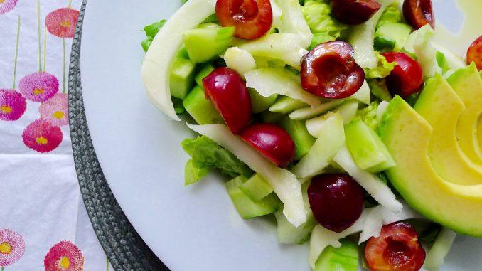 Romaine salade met koolrabi en kersen recept ~ minder koolhydraten, maximale smaak ~ www.con-serveert.nl
