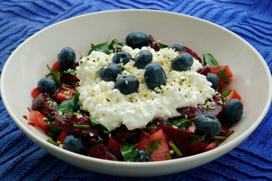 Bietensalade met hüttenkäse recept ~ minder koolhydraten, maximale smaak ~ www.con-serveert.nl