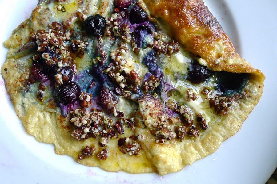 Zoete omelet met bosbessen recept ~ minder koolhydraten, maximale smaak ~ www.con-serveert.nl