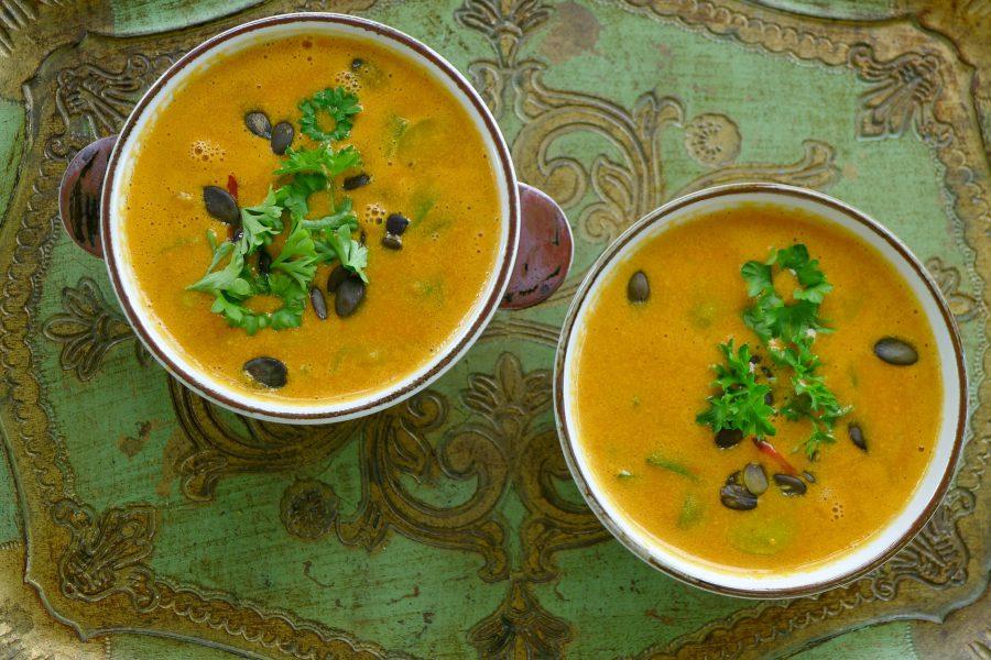 Tomaten-pompoen soep
