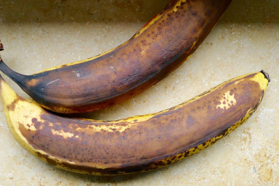 Overrijpe bananen, perfect om mee te bakken ~ minder koolhydraten, maximale smaak ~ www.con-serveert.nl