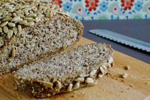 Koolhydraatarm, vegan en glutenvrij brood recept ~ minder koolhydraten, maximale smaak ~ www.con-serveert.nl