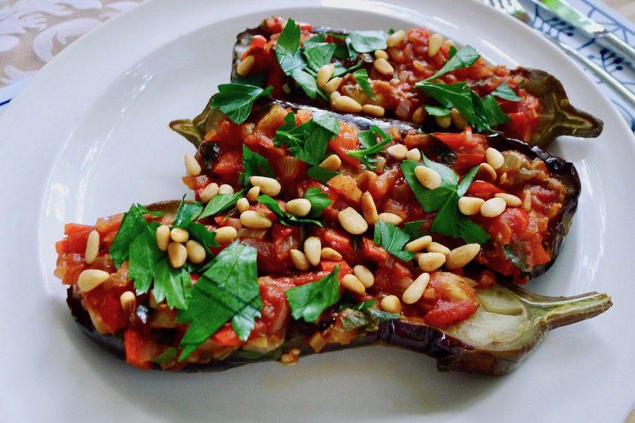 Imam bayıldı, Turkse gevulde aubergines recept ~ minder koolhydraten, maximale smaak ~ www.con-serveert.nl