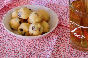 Cookie dough balletjes recept, ketogeen, koolhydraatarm ~ minder koolhydraten, maximale smaak ~ www.con-serveert.nl