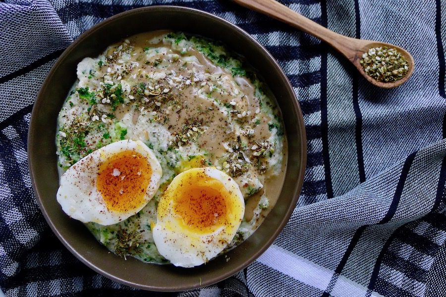 Hartige bloemkool porridge recept ~ minder koolhydraten, maximale smaak ~ www.con-serveert.nl