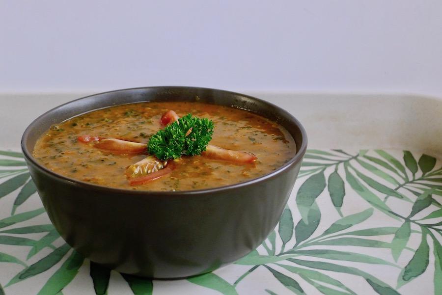 Tomatensoep met boerenkool en tahini recept - vegetarisch koolhydraatarm genieten begint bij www.con-serveert.nl