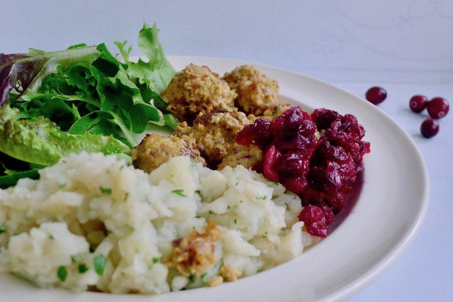 Zweedse balletjes (köttbullar) met cranberry compote, vegan recept ~ minder koolhydraten, maximale smaak ~ www.con-serveert.nl
