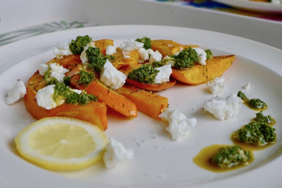 Pompoen met feta en chermoula, Marokkaans marinade / saus recept - vegetarisch koolhydraatarm genieten begint bij www.con-serveert.nl