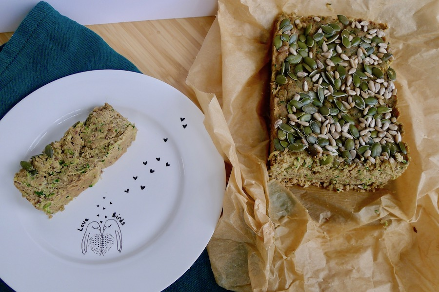 Courgette pindakaas brood recept - vegetarisch koolhydraatarm genieten begint bij www.con-serveert.nl