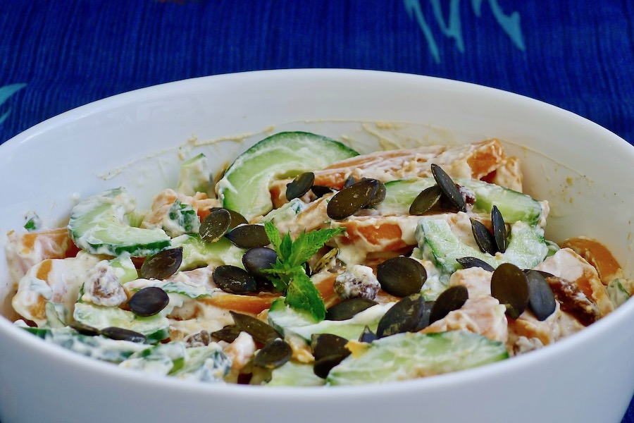 Zoete aardappel salade met Indiase munt raita recept ~ minder koolhydraten, maximale smaak ~ www.con-serveert.nl