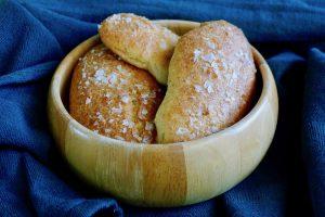 Koolhydraatarme brezel broodjes recept ~ minder koolhydraten, maximale smaak ~ www.con-serveert.nl