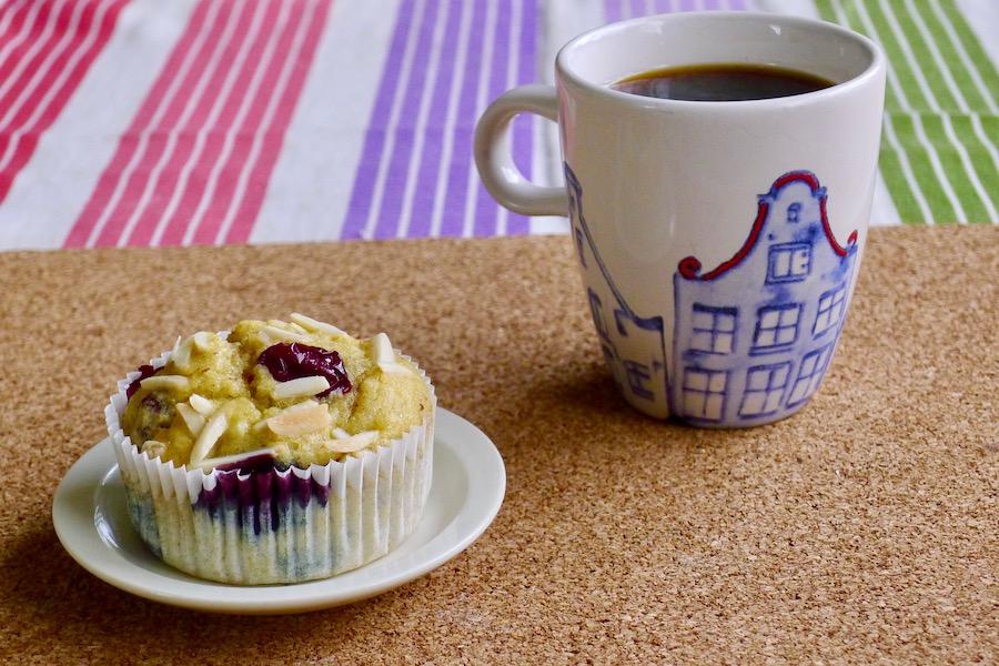 Keto muffins met rood fruit