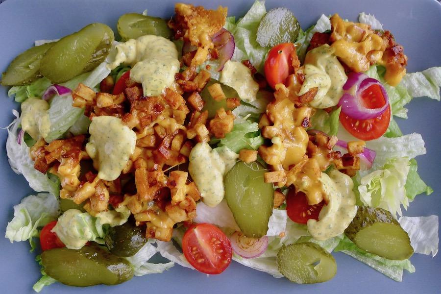 Vegetarische Big Mac salade recept, koolhydraatarm ~ minder koolhydraten, maximale smaak ~ www.con-serveert.nl
