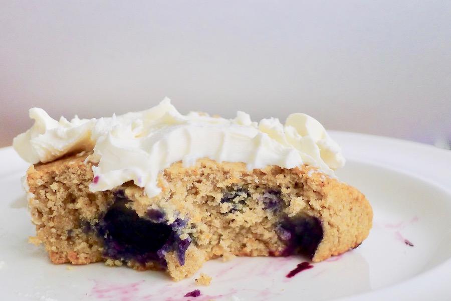 Bosbessen scones, koolhydraatarm en glutenvrij recept ~ minder koolhydraten, maximale smaak ~ www.con-serveert.nl