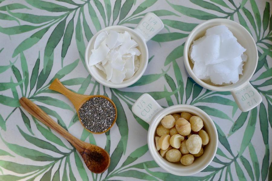Keto macadamia kokos energierepen recept ~ minder koolhydraten, maximale smaak ~ www.con-serveert.nl
