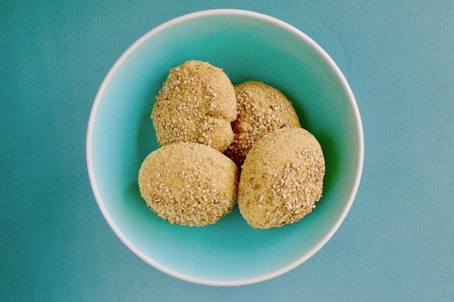 Koolhydraatarme broodjes zonder amandelmeel, kerogeen recept ~ minder koolhydraten, maximale smaak ~ www.con-serveert.nl